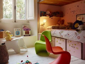 vitra in jena mit eames elephant und panton chair junior