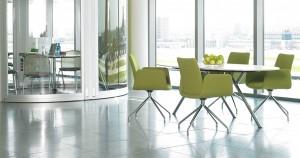 Dietiker in Jena mit Drehstuhl Lumi und Tisch XY